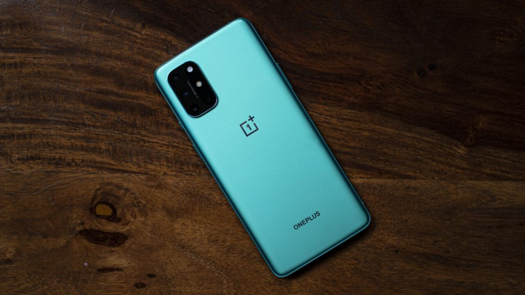What are the specs of OnePlus 8T?